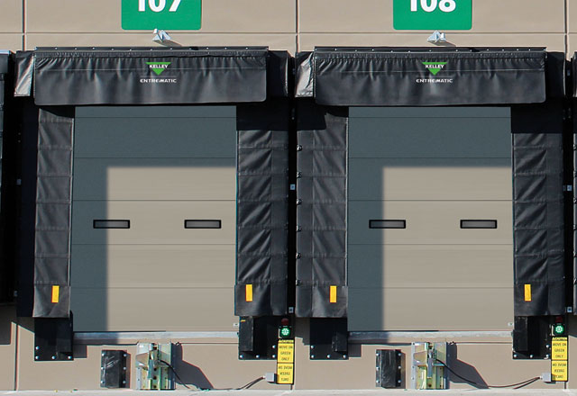 Medium Duty 1 38 Inch Insulated Sectional Doors Kelley Entrematic