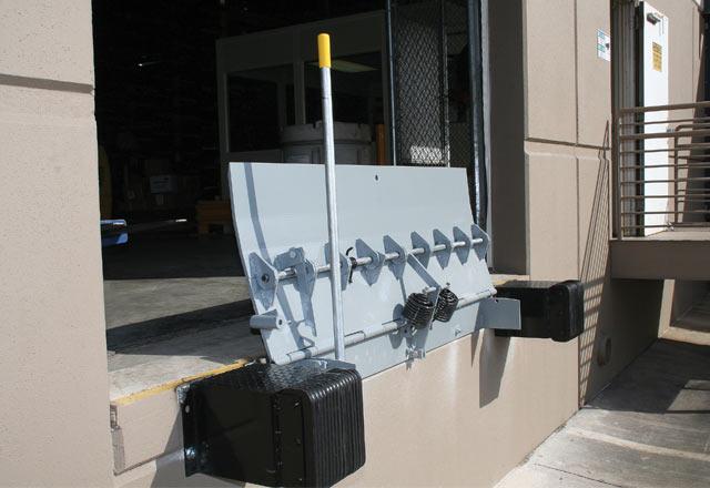 KM Series Mechanical Edge-of-Dock Leveler